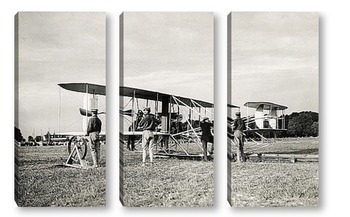 Модульная картина Орвил Райт проверяющий распорки самолета,1909г.