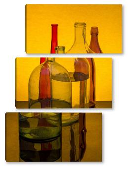 Натюрморт с цветными бутылками