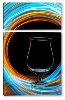 Модульная картина Пустой бокал в водовороте
