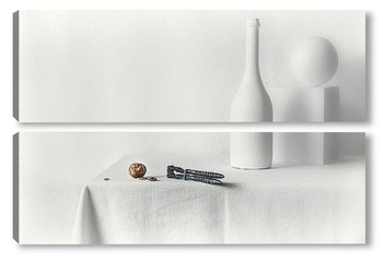 Модульная картина Белый натюрморт с орехом (Нейрохирургия)