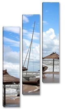 Модульная картина Яхта на берегу.