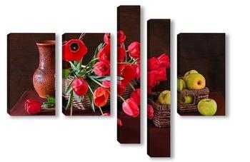 Красные тюльпаны и зелёные яблоки