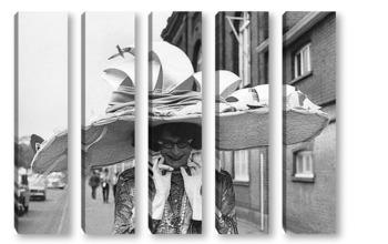 Модульная картина Barry Humphries
