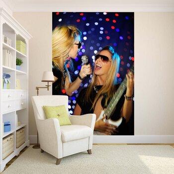 Фотообои на стену Девушка в мусульманском головном уборе черного цвета
